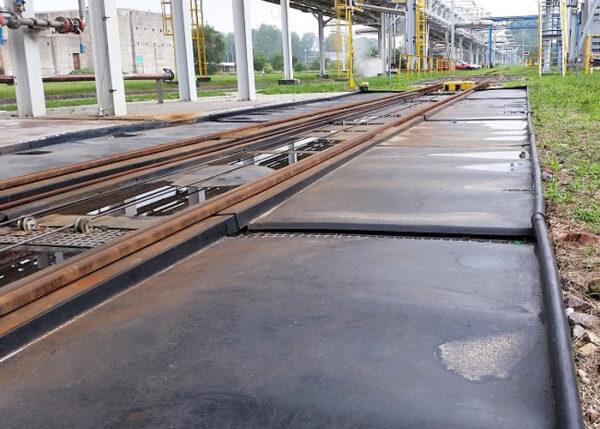 Odpływ z wanny awaryjnej na bocznicy kolejowej