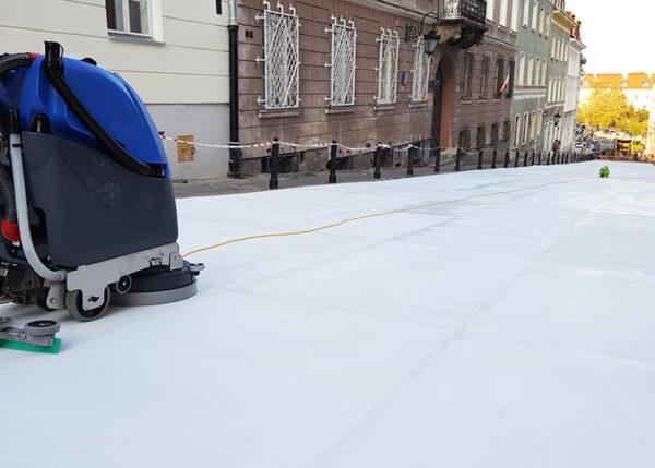 Przygotowanie toru lodowiska sztucznego do użycia