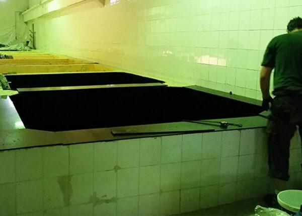 wykładanie zbiornika tworzywem zabezpieczenie zniszczonego zbiornika