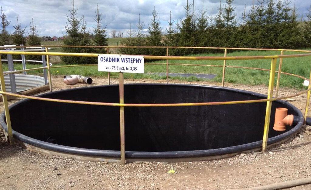 odporna chemicznie wykładzina z tworzywa do renowacji stalowego skorodowanego zbiornika montaż poprzez spawanie tworzywa