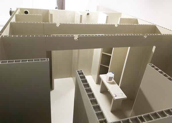 zbiornik na cele ppoż. dla biurowca w trakcie budowy widok od środka zbiornika - płyty modułowe tworzywowe wysoka jakość i odporność