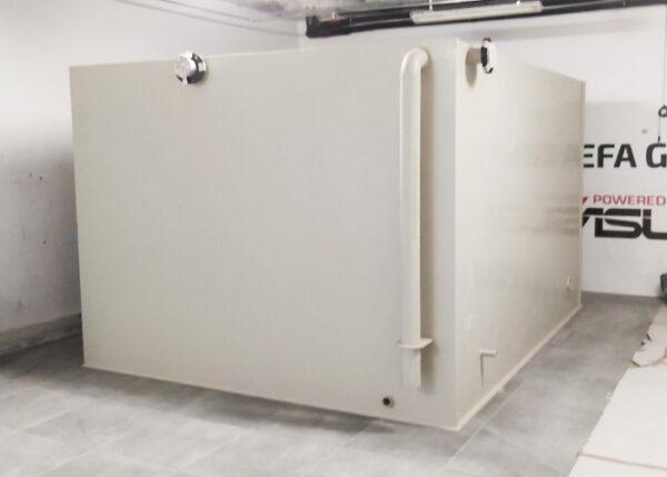 Zbiornik przeciwpożarowy panelowy z tworzywa na wodę do montażu wewnątrz garażu, piwnicy